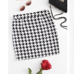 ❗️Banana Republic Houndstooth Skirt MSRP $98!